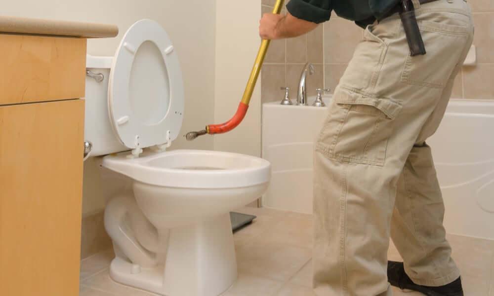 wc duguláselhárítás csőgörénnyel